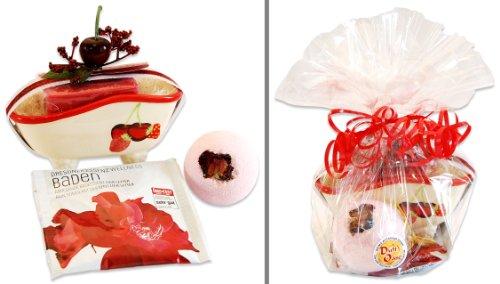 Dekoratives Geschenk-Set Zarte Verlockung inklusive Rosenbad sowie Badebombe und französischer Seife in Deko-Badewanne (Seife Französisch-geschenk-set)