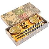 """Abacus Asiatica: set de palillos chinos hechos de madera de gran calidad, diseño """"Peonia"""", viene con soporte para los palillos y cuencos de cerámica en una caja de regalo (un par de palillos, dos soportes y dos cuencos), Mod. CBS-S2-G-H03 (DE)"""