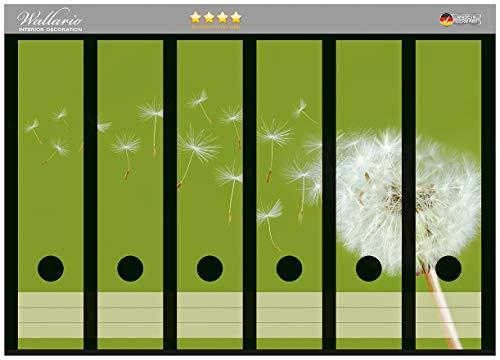 Wallario Ordnerrücken Sticker Pusteblume auf der Wiese mit fliegenden Samen in Premiumqualität - Größe 36 x 30 cm, passend für 6 breite Ordnerrücken -
