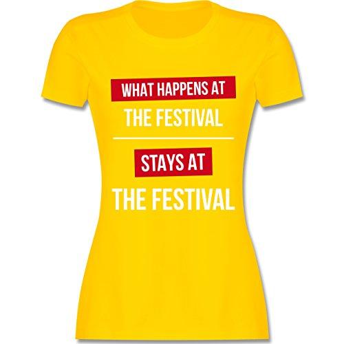 Festival What happens on the festival stays at the festival tailliertes  Premium TShirt mit Rundhalsausschnitt für Damen Gelb