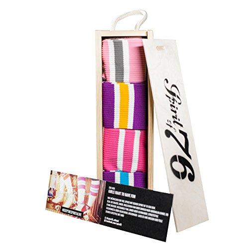 GIRLS WANNA HAVE FUN - Box | Hohe & Halbhohe Retro Socken mit Streifen von Spirit of 76 | Weiß, Lila, Pink & Türkis gestreift | Unisex Strümpfe Größe S (35-38) (Socken Fun Knie-hohe Frauen)