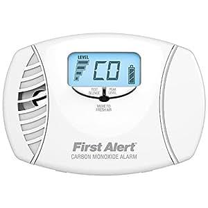 First Alert Co615double alimentation de monoxyde de carbone Plug-in Alarme avec batterie de secours et affichage digital, CO615, 120 voltsV