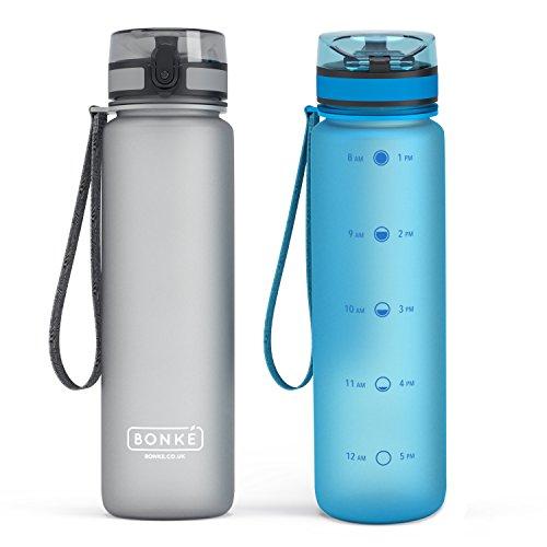 Bonke Sport Trinkflasche - Große 1000ml - Premium Auslaufsicher Wasser Flasche mit Verschluss & Tragegurt - Schnelle Wasserdurchfluss - 1-Click Öffnet - Ermutigende Zeitmarkierung - BPA Frei Tritan Kunststoff - - 1 Liter Metall-wasser-flasche