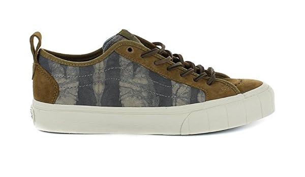 76614adf3b3acf Vans Men s Taka Hayashi Court Lo LX Technical Skateboarding Shoes Green  Tiger Batik Loden Green  Amazon.co.uk  Shoes   Bags