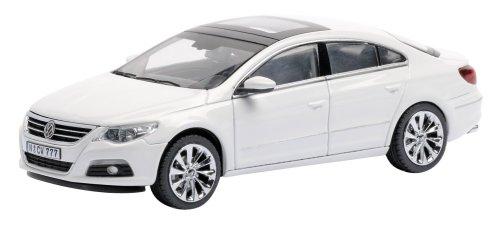 Preisvergleich Produktbild Schuco 450725300 - VW Passat CC, concept white, Sammlermodell, 1:43