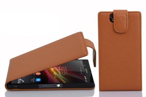 Preisvergleich Produktbild Cadorabo Hülle für Sony Xperia Z Hülle in Cognac braun Handyhülle aus strukturiertem Kunstleder im Flip Design Case Cover Schutzhülle Etui Tasche Cognac-Braun
