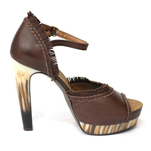 Lucky marchio in pelle la propria faccia-punta piattaforma scarpe con il tacco. Taglia 3,5, da £125 Marrone (marrone scuro)