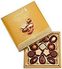 Lindt Swiss Luxury Selection Box ( Milk Dark & White Chocolate Masterpiece), 145g