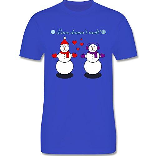 Weihnachten - Love doesn't melt! - Schneemann - Snowman - Love - Snowflake - Winter - L190 - Premium Männer Herren T-Shirt mit Rundhalsausschnitt Royalblau