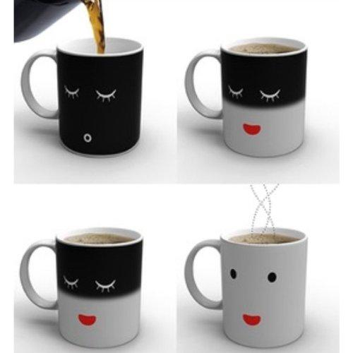 Taza de Café Sensible al Calor. Cambio de Color y sonrisa...