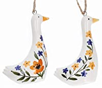 Un paio di decorazioni in ceramica in stile country folk. Una bella decorazione da appendere per qualsiasi periodo dell'anno. 7 cm.