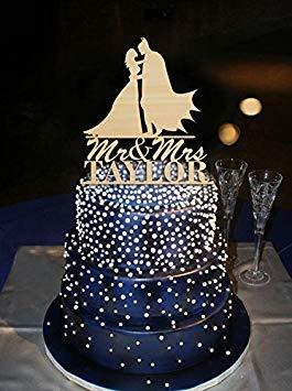 Romantische Hug Batman und Braut Personalisierte Herr Frau Last Name Tortenaufsatz Hochzeit Party Dekoration Kuchen Zubehör Acryl Topper