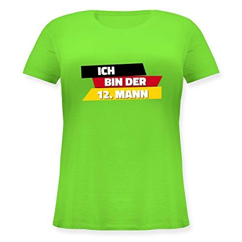 Shirtracer Fußball-WM 2018 - Russland - Ich Bin der 12. Mann Deutschland - Lockeres Damen-Shirt in Großen Größen mit Rundhalsausschnitt Hellgrün