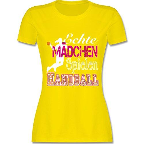 Handball - Echte Mädchen Spielen Handball weiß - tailliertes Premium T-Shirt mit Rundhalsausschnitt für Damen Lemon Gelb