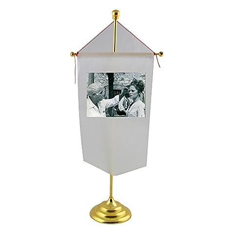 Stanleyl Kramer with Virna Lisi. Table Flag