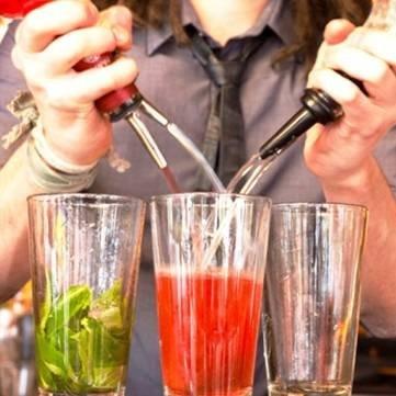 10Pcs Stainless Steel Wine Stopper Rubble Sealed Wine Bottle Spout Pourer by UR Drinkware