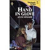Hand in Glove (Harlequin Intrigue)