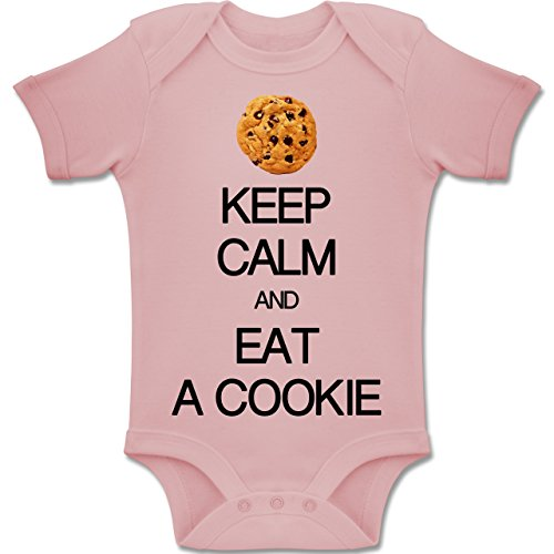 Up to Date Baby - Keep Calm and eat a Cookie - 6-12 Monate - Babyrosa - BZ10 - Baby Body Kurzarm Jungen Mädchen