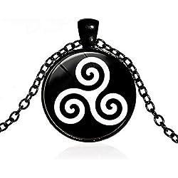 Collar negro de Cabujón con símbolo celta