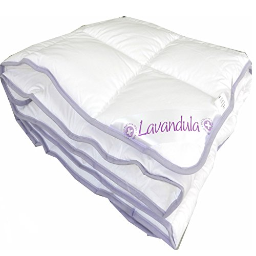 Orthotex Bettdecke mit Lavendelduft - Steppdecke, Steppbett, Oberbett gesteppt - 4 Jahreszeiten, ganzjährig, atmungsaktiv, antistatisch, temperaturregulierend, abgesteppt - Außenhülle: 100% Baumwolle mit Lavendelessenzen, Innenfüllung: 100% PES Hohlfaser - Größe: 140x200 cm