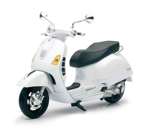 new-ray-57243-vehicule-miniature-vespa-gts-300-super-echelle-1-12-coloris-assortis