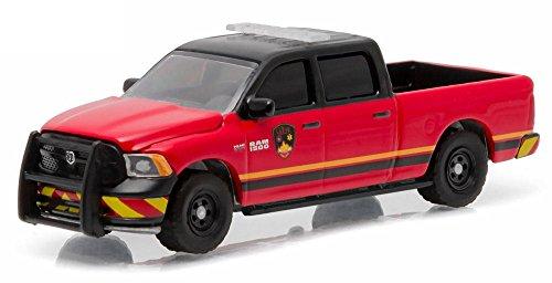 2014-dodge-ram-1500-tradesman-greenlight-29830e-guthrie-oklahoma-fire-dept-164-die-cast