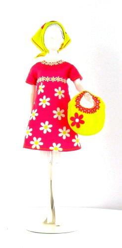 MaRécréation - Twiggy Daisy : fabriquez les habits de vos poupées mannequins ... la plus belle des Barbie, ce sera la votre !