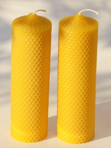 2 große Wabenkerzen. BIENENWACHSKERZEN aus reinem Imkerwachs - aus der Schwarzwälder Kerzenmanufaktur. Höhe 18 cm Durchmesser 5 cm