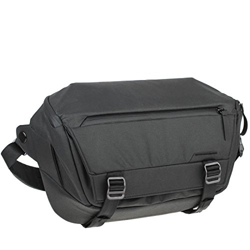 Peak Design Everyday Sling 10L Jet Black Fototasche für DSLR- und DSLM-Kameras - auch als Umhängetasche für den Alltag (schwarz)