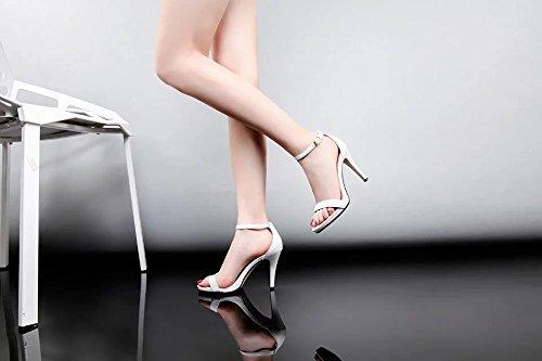 Chaussures Mode Sandales pour femmes de couleurs des talons hauts white
