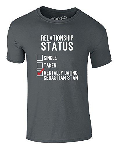 Brand88 - Mentally Dating Sebastian Stan, Erwachsene Gedrucktes T-Shirt Dunkelgrau/Weiß