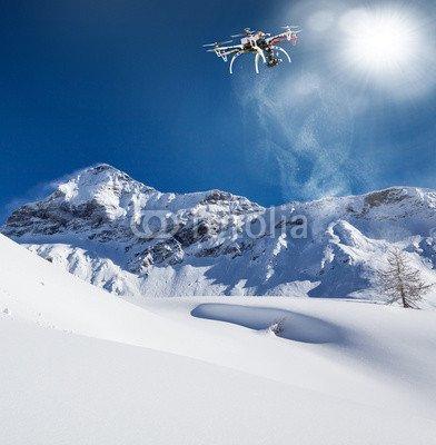 valmal-enco-it-volo-con-drone-con-neve-fresca-81613090-aluminium-dibond-70-x-70-cm