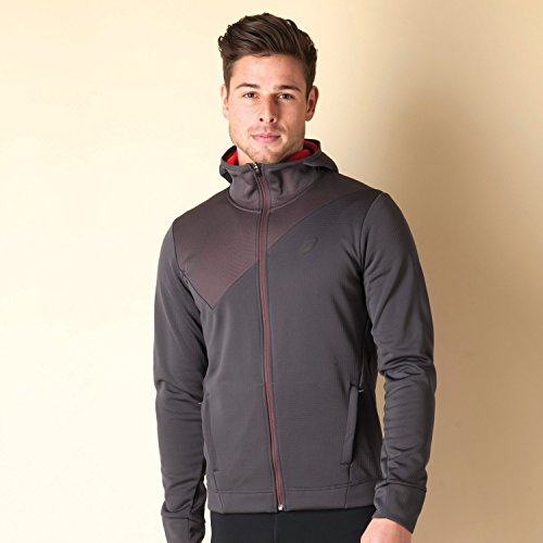 If you are someone who trains outdoors or rides a bike early in the morning or late in the night, then this fleece jacket is the one for you.  Stay dry and warm even when the rain lashes down or when chilly winds are blowing. The sleeves are perfect and do not restrict movements. The jacket is highly breathable and hence will prevent you from overheating. Also you can stand out amongst the crowd with an engineered design at the top.