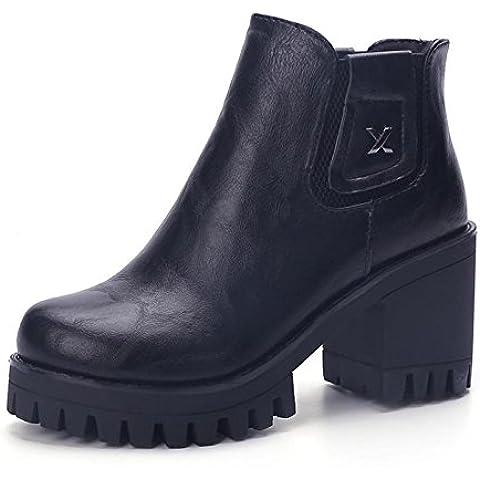 Caduta grossolana con europea e tacco alto stivali stivali donna