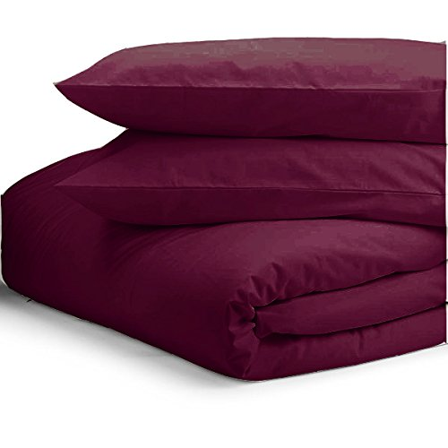 Plain Dyed Duvet Cover Set by Pieridae – Poly Cotton Easy Care & Quilt Cover with Pillow Cases(Plum,Single).
