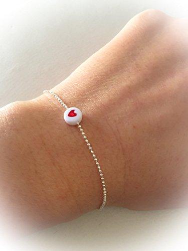 bracciale-con-catena-in-argento-con-palline-e-piccola-perlina-con-cuore-rosso
