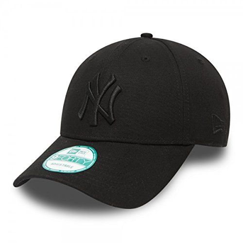 New Era 9FORTY New York Yankees Baseball Cap - League Essential - Black On  Black Adjustable ff7e24d2acb