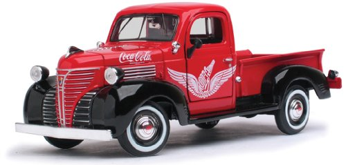 Motor City Classics 1941 Plymouth Pickup Truck (1:24 Scale), Red