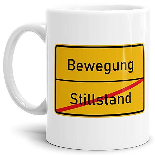 """Ortsschild-Tasse\""""Stillstand -> Bewegung\"""" - Geschenk-Idee/Lustig/Arbeit/Geburtstag/Witzig/Spaß/Scherz-Artikel/Weiss"""