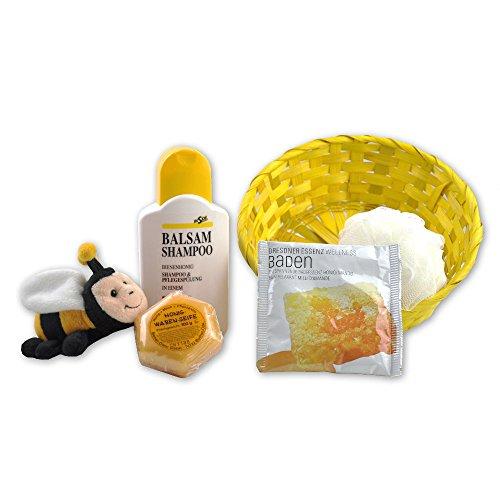 Handverpacktes Geschenk Bienenstock mit Honigseife sowie Plüschbiene und Badeschwamm