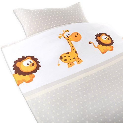 """Gräfenstayn® 2-tlg. Kinder Baby Bettwäsche Set mit Tiermotiv und integriertem Reißverschluss aus 100{7e1757fb925227483f9d7799e9b4db0c89d96831e37a12fd50b67627009c8ef5} Baumwolle - Deckenbezug 135x100cm und Kissenbezug 60x40cm mit Öko-Tex Siegel Standard 100: \""""Geprüftes Vertrauen\"""" (Giraffe & Löwe)"""