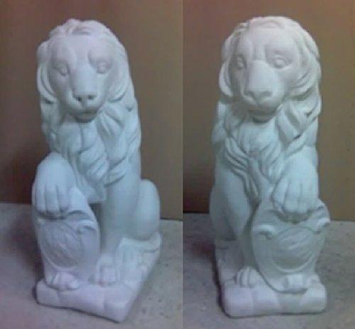 Defi Deko- und Figurenhandel Löwenpaar sitzend/weiß (H964+H965), Tierfiguren aus Steinguss, 2 Stück, Links + rechts, Höhe: je 37 cm, Gewicht: je 55 kg Defi Link
