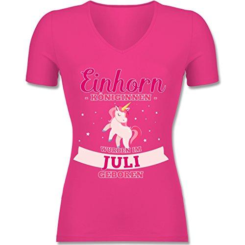 Shirtracer Geburtstag - Einhorn Königinnen Wurden IM Juli Geboren - Tailliertes T-Shirt mit V-Ausschnitt für Frauen Fuchsia