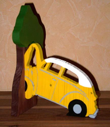 Buchstürze Käfer gegen Baum gefahren