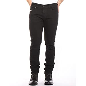 Welche schwarze Jeans passen garantiert zu einem Mann?