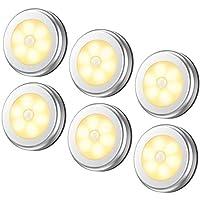 مصابيح حساسة للضوء من 6 قطع، مصابيح ليد ليلية لاسلكية تعمل بالبطارية للممرات والحمام وغرفة النوم والمطبخ، مصابيح للخزائن، مصابيح اضاءة للسلالم قرصية الشكل (ابيض دافئ)