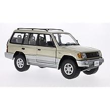 Mitsubishi Montero Largo 3.5 V6, metálico-beige, 1998, Modelo de Auto,