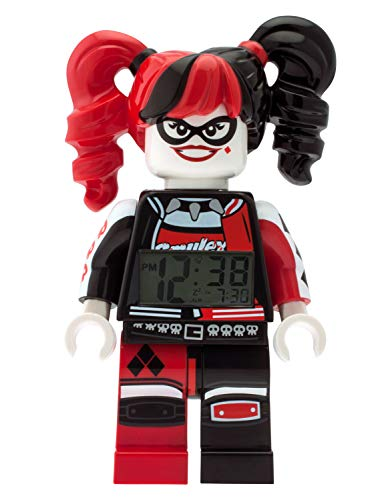 LEGO Batman 9009310 Harley Quinn Kids Minifigur Wecker , rot/schwarz , Kunststoff , 24 cm hoch , LCD Display , Boy Girl , Offizielles (Gotham Girls Batgirl Kostüm)
