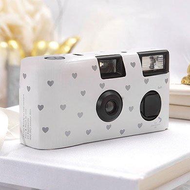 Einwegkameras / Einwegfotos in weiß mit kleinen silbernen Herzen - Inhalt pro Packung: 10 Stück Hochzeitskameras