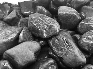 Saco Piedra Jardin Canto RODADO Negro Puro 20-40 MM 20 KG